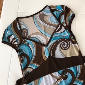 Neautral swirl short sleeve top with ties
